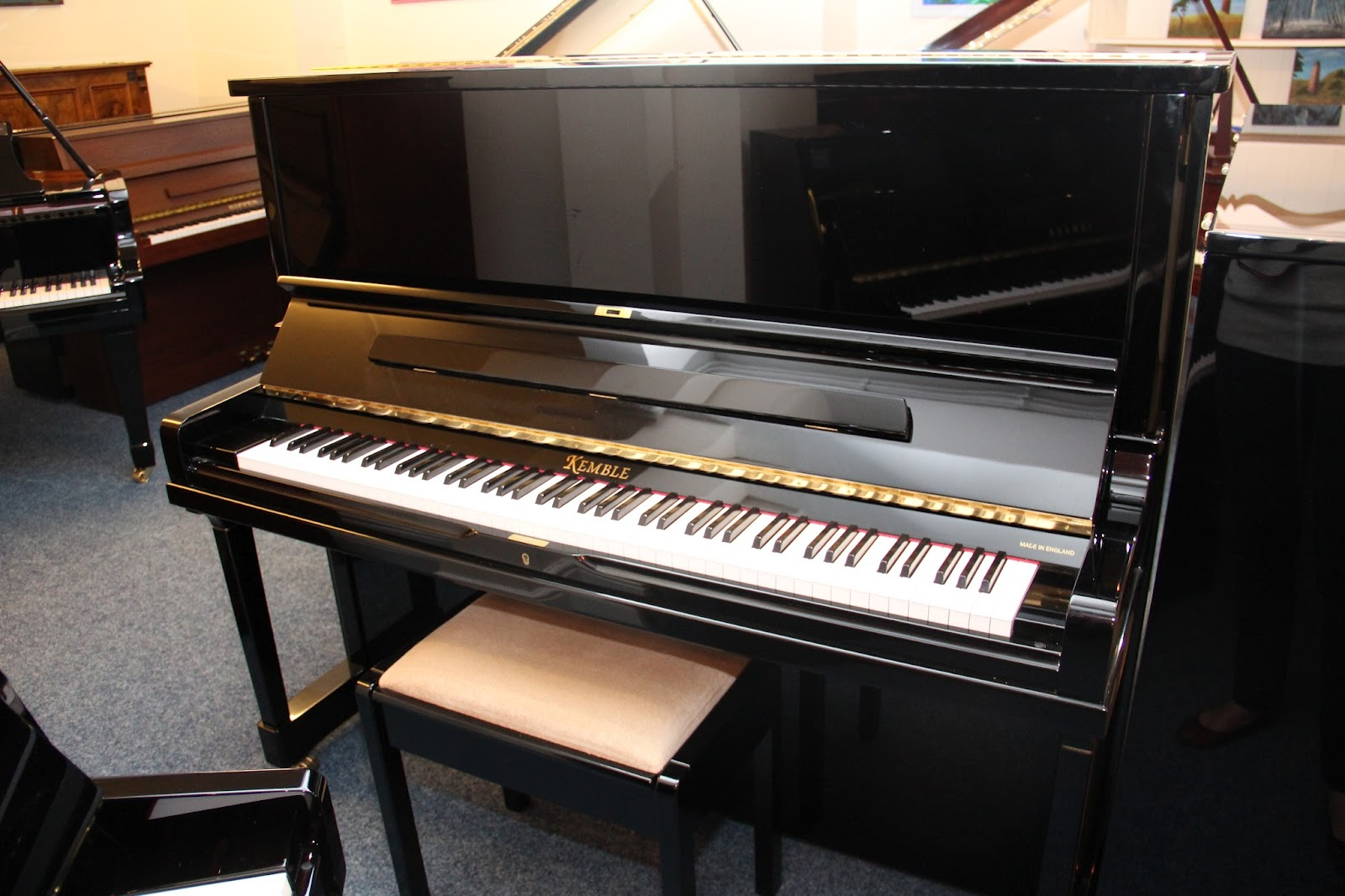 used piano new used upright grand pianos for sale. Black Bedroom Furniture Sets. Home Design Ideas